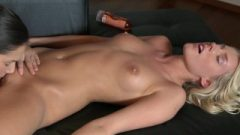 Lesbea HD Oil Massage And Deep Penetration For Pretty Young Teen