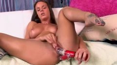Rahyndee James Enjoys To Play With Her Seductive Pussy